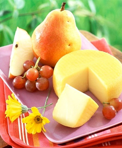 Польза сыра с дырками